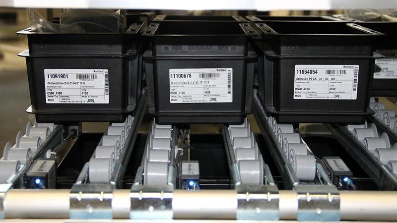 StockSAVER Anwendung - Rollenregal mit Sensoren